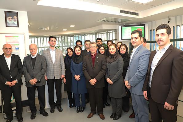 پایگاه خبری آرمان اقتصادی 11462_orig بازدید مدیرعامل بانک کارآفرین از شعب سرو شرقی، عرفان و سردار جنگل در شهر تهران